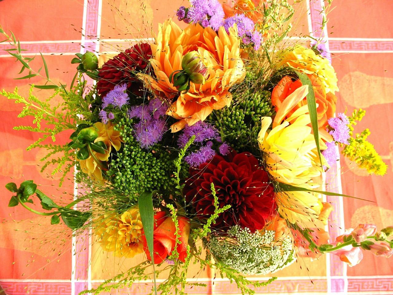 colorful-flower-bouquet-566706_1280