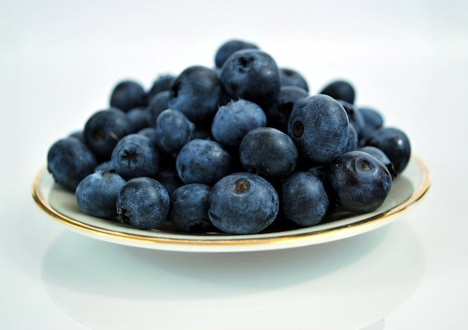 blueberries-184448_1280