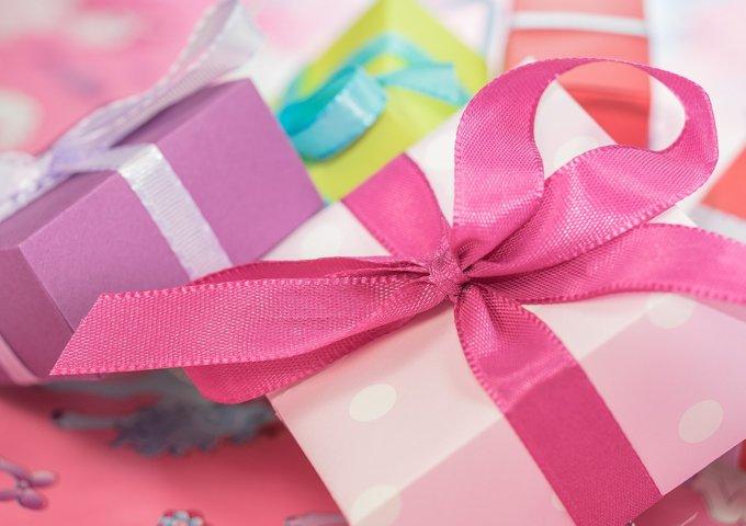 gift-553149_1280