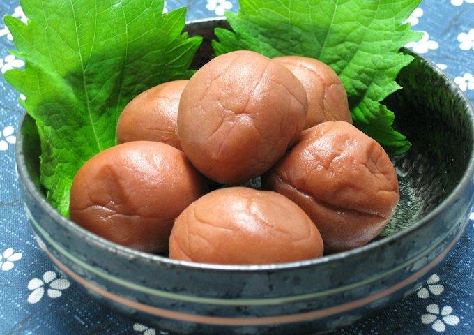 pickled-plum-410338_1280