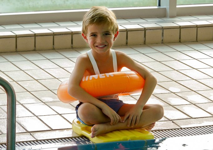 swimming-course-589497_1280