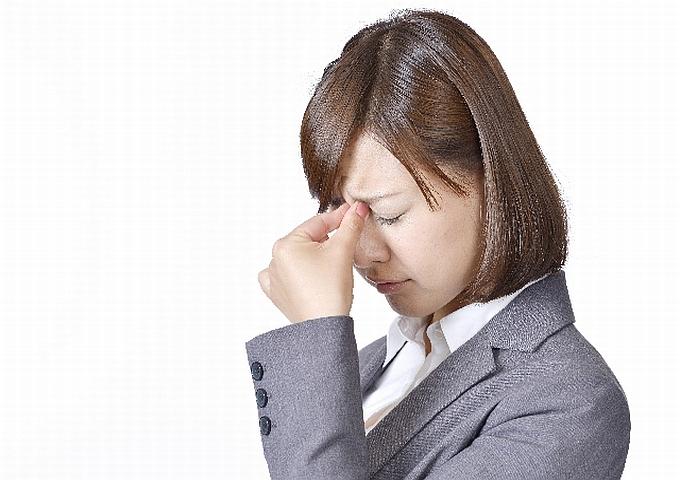目 ピクピク 原因 目がピクピクする。片方の上まぶたに起きるときの原因と対処法とは?