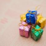 クリスマスプレゼントの相場は2万円~3万円!社会人向けプレゼントガイド!