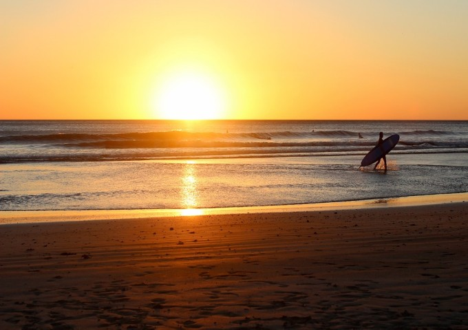 beach-sunrise-1149548_1280