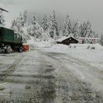 【大雪対策保存版】駐車場の雪かき・除雪をすばやく行うコツとは?必要な道具は?