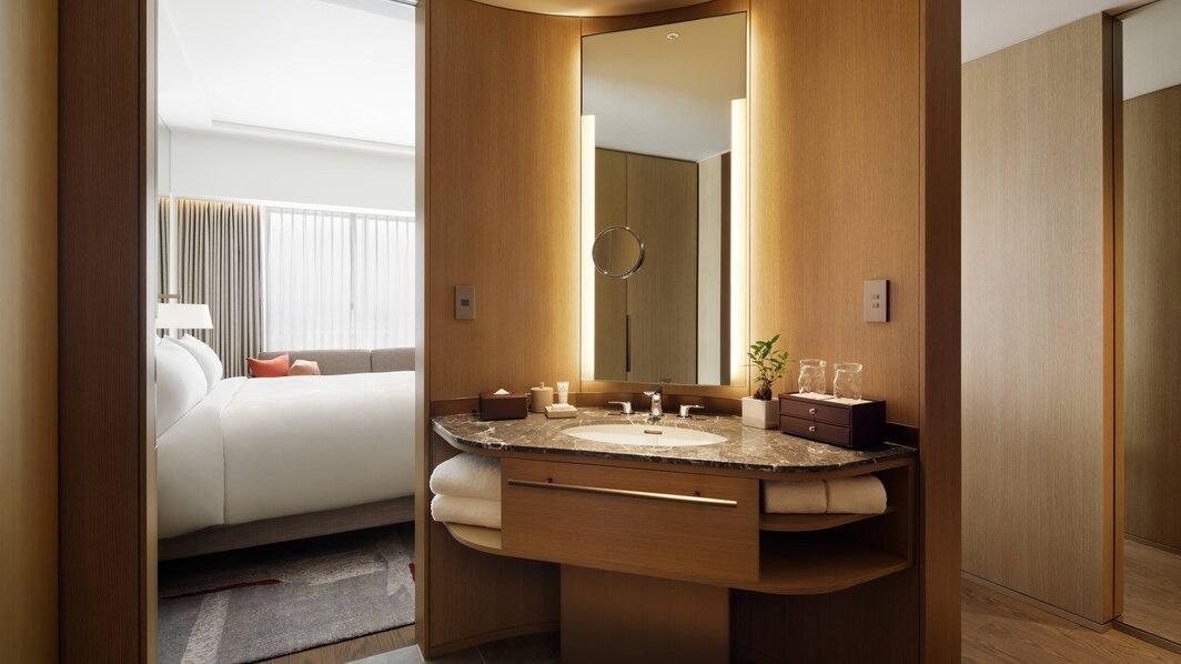 osajw-bathroom-6613-hor-wide